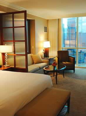 Signature Deluxe Suite Room